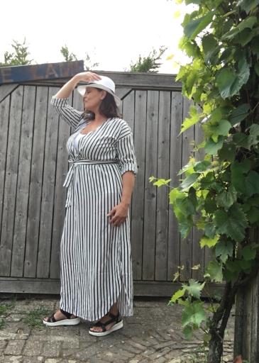Shein jurk zijkant
