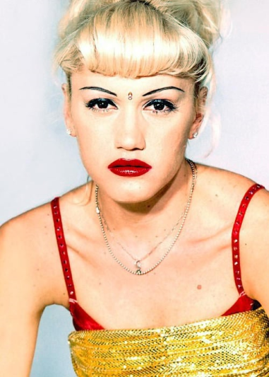 Gwen Stefani '90